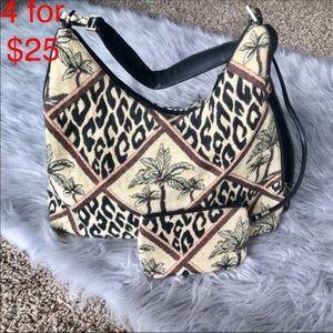 Bueno printed hobo shoulder bag and chain purse